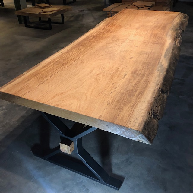 Tree trunk table 8 cm thickness