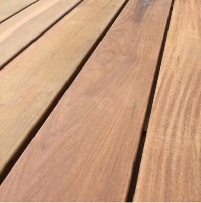 Ipe planed flate decking boards